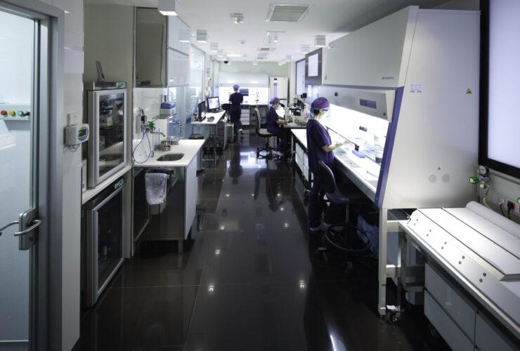 Laboratorio Embriologia FIV scaled