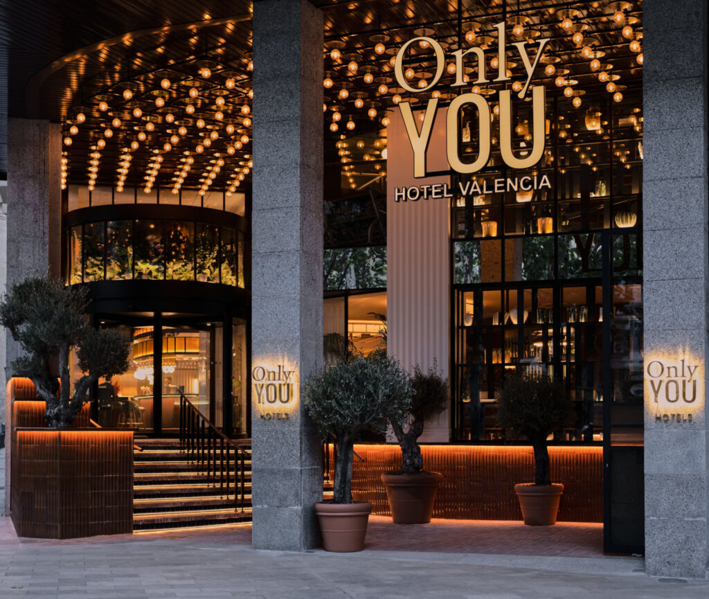 only you hotel valencia facade 32282 e1632333563576